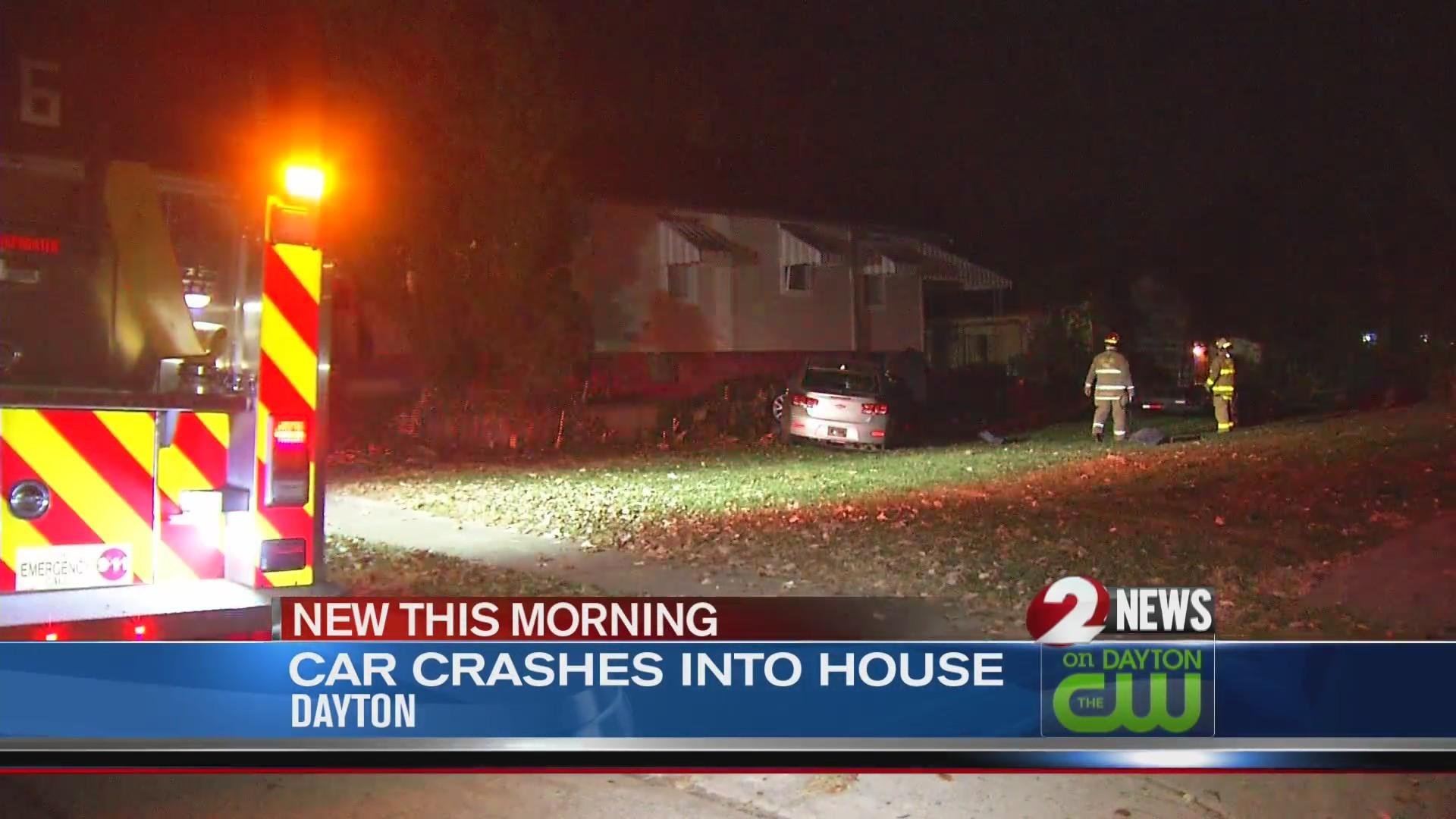Car crashes into Dayton home
