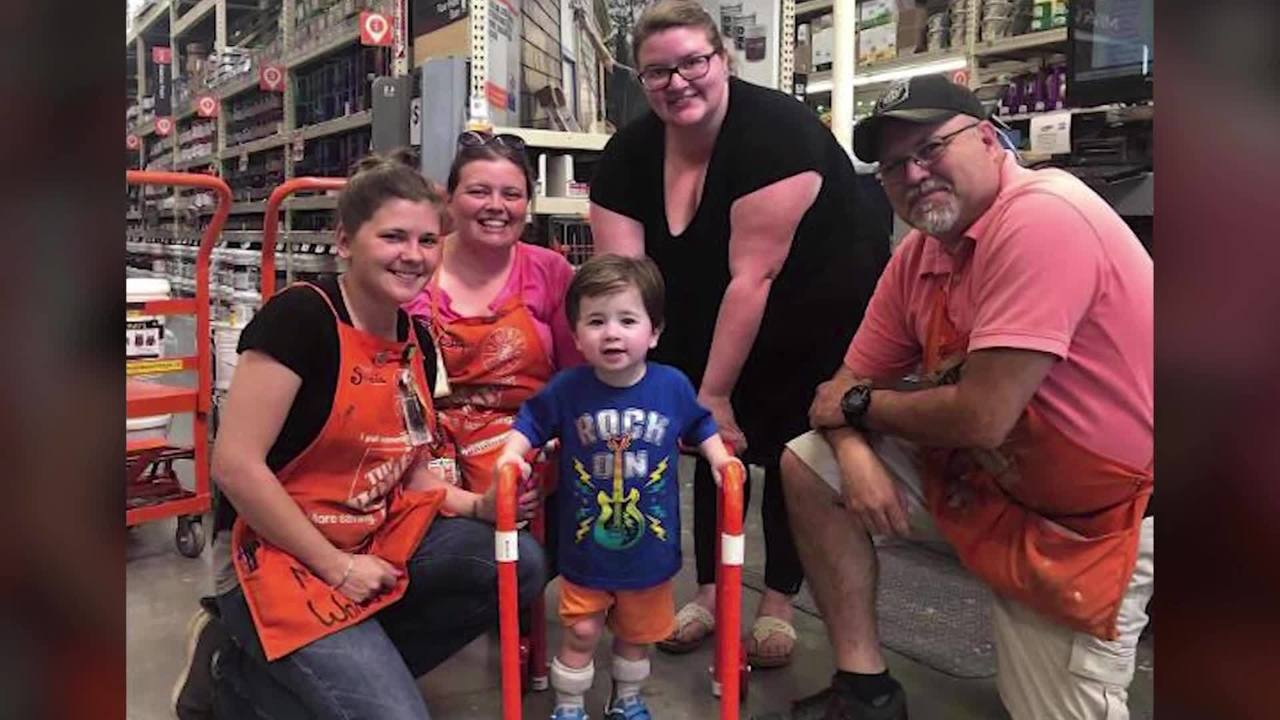 Home_Depot_employees_build_2_year_old_bo_6_89344414_ver1.0_1280_720_1558992820680.jpg