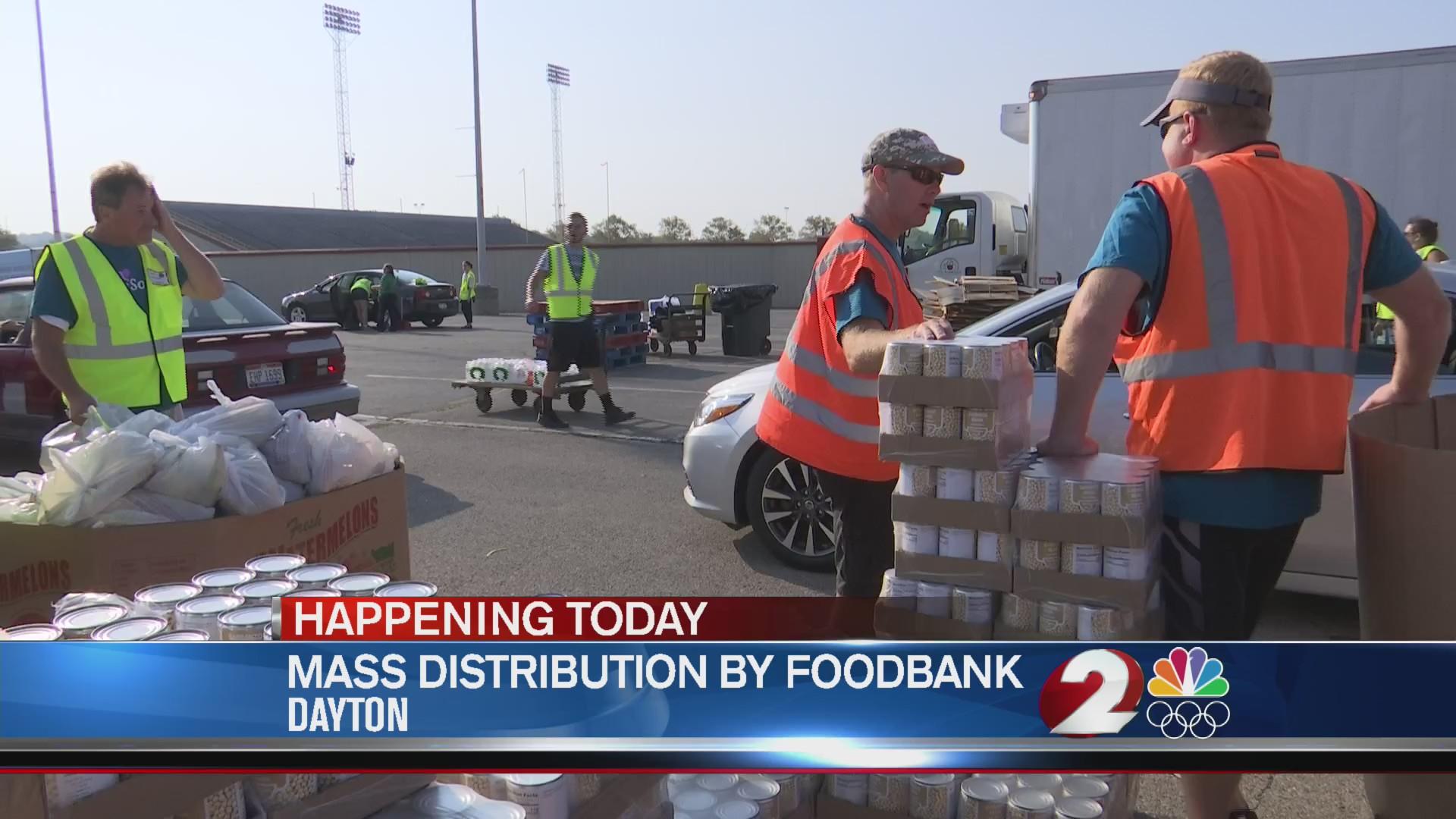Mass distribution by Foodbank