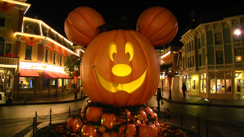 Party has been replaced by a new halloween event, disney after hours: Disneyland Releases Dates For Mickey S Halloween Party