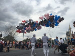 Parade viewing tips WDW Radio photo by Kristin Fuhrmann Simmons