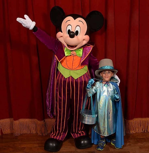 Meeting Mickey Mouse at Mickey's Not-So-Scarry Halloween Party