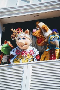 """alt=""""The Muppets star in Great Moments in American History."""""""