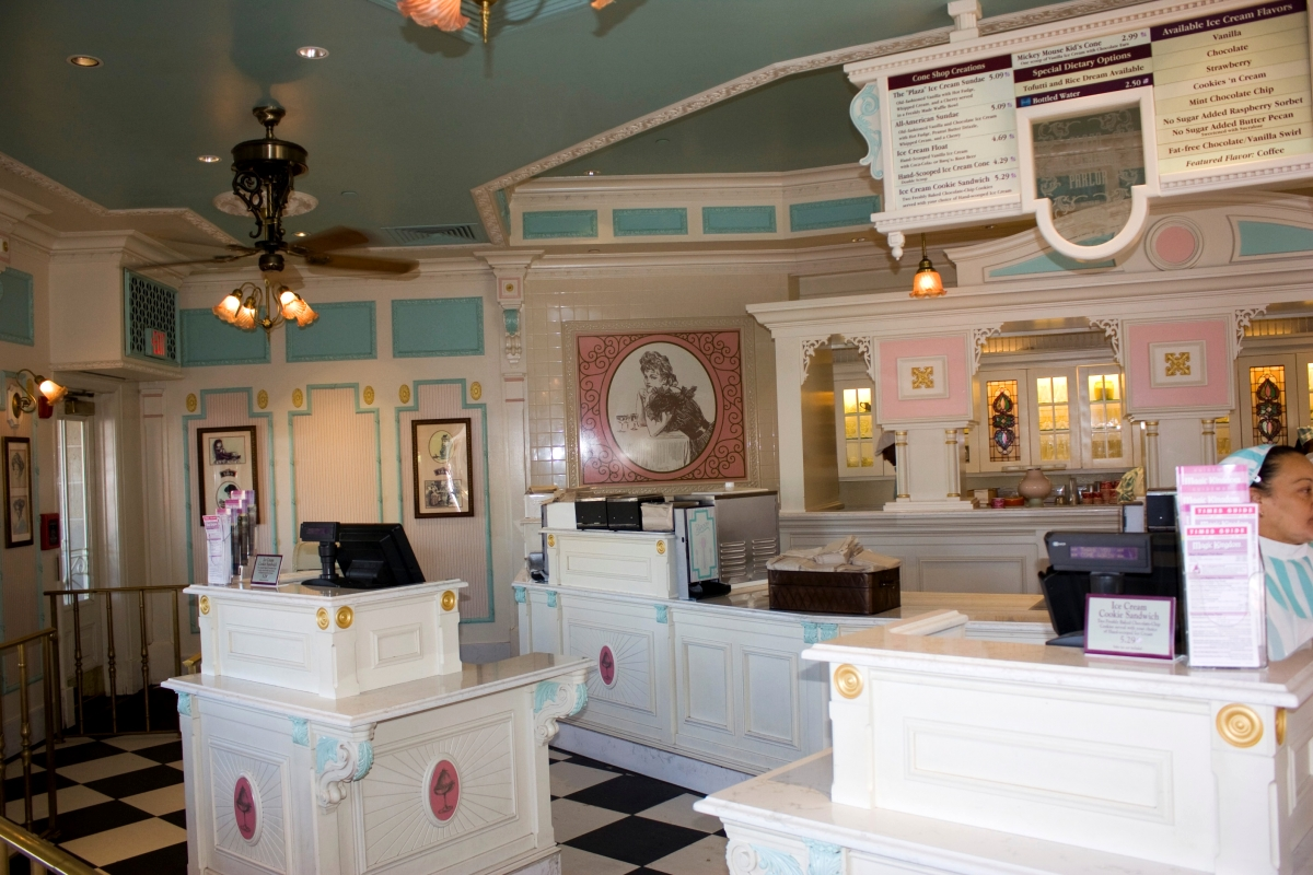 WDWThemeParkscom  Main Street USA Photos Interior