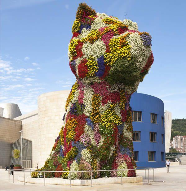 La créativité en fleurs: l'influence de Flora sur l'art, le design et la mode