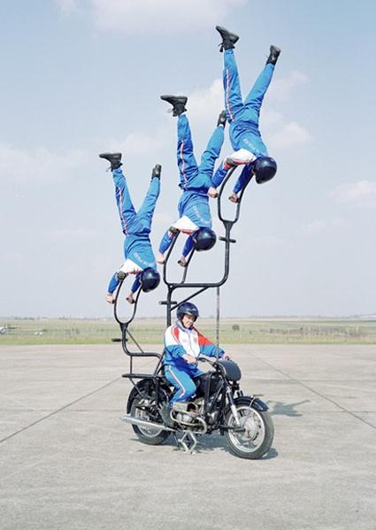 acrobatic-squad-10.jpg