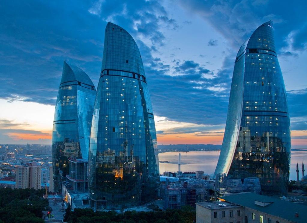 Башни Огня в Баку