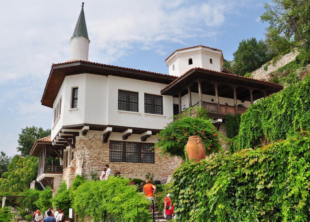 Дворец королевы Марии в Балчике