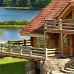 Дома из дерева и камня в Аматциемсе