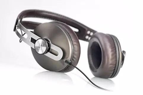 Geat build full size headphone of Sennheiser