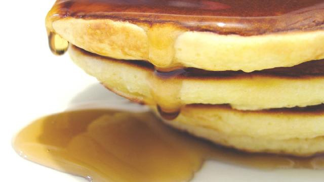 Stack of pancakes with syrup_3259606821359771-159532
