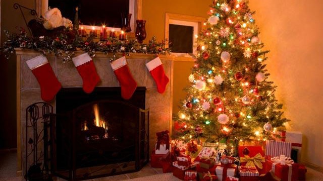 Christmas tree with stockings and presents_650158602977671-159532