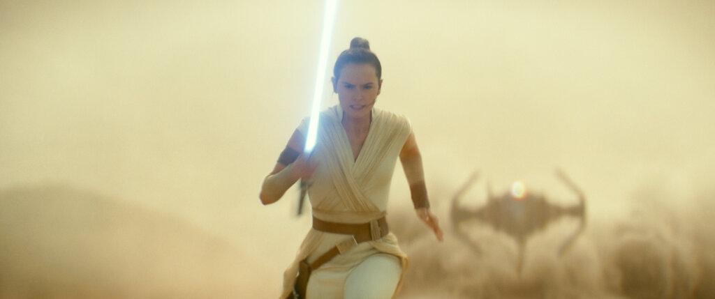 -Star Wars Celebration-Episode IX Panel_1555100977571