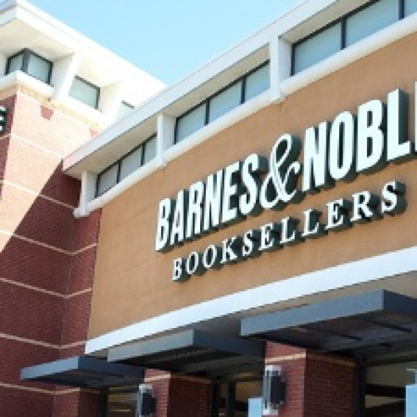 Barnes & Noble offers free books to encourage summer reading