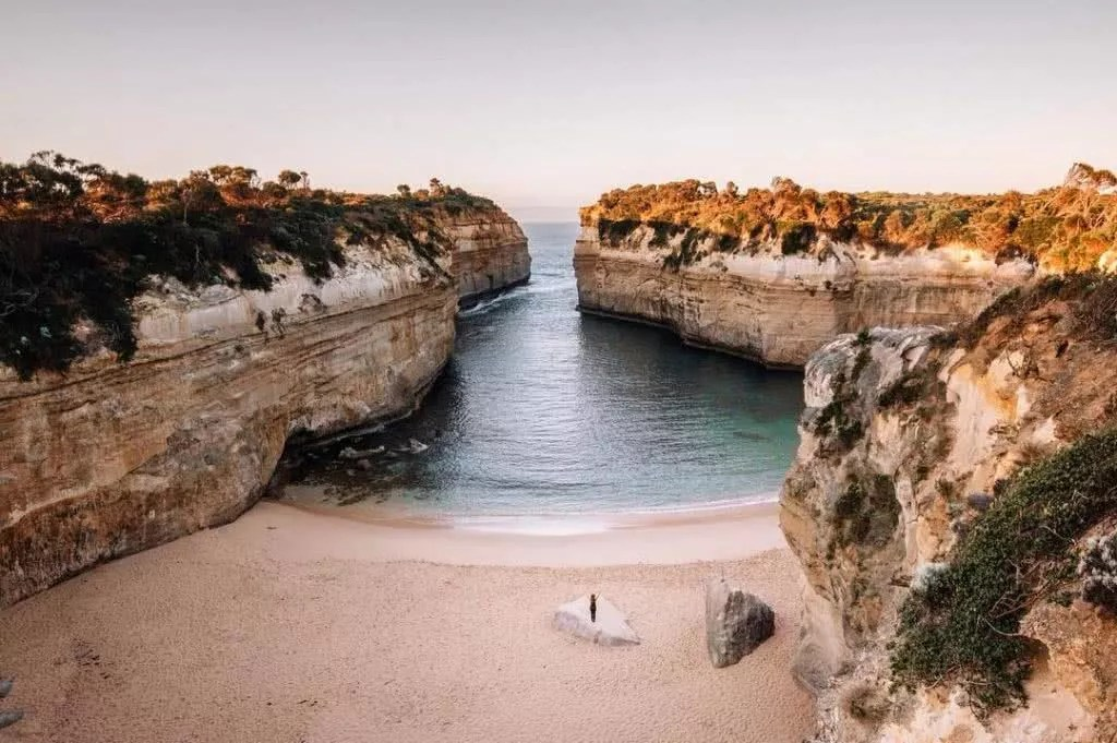 """Microadventures with @lauraalycebell 1/5 """"Finished off a 2 day adventure with my fellow photo pal @iso100_photography along the great ocean road at this beautiful and iconic spot. We had the place to ourselves as the sun rose. Such a beautiful part of Victoria with interesting history"""". #weareexplorers"""