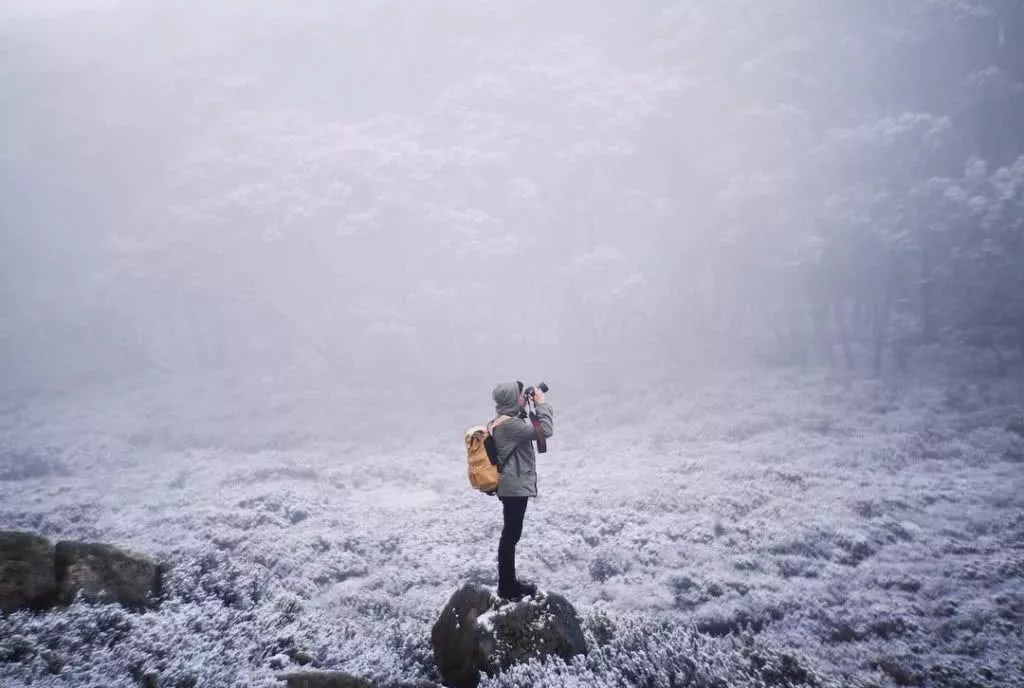 "Microadventures with @jarradseng 1/5 ""When my mate Jackson Loria texted me that it was snowing in Victoria, I booked tickets the next day. I love snow. Snow in Australia is still such a novelty to me. Yum yum."" #weareexplorers"