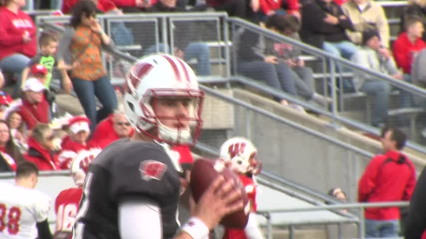 Hornibrook looks to take next step as Badgers QB
