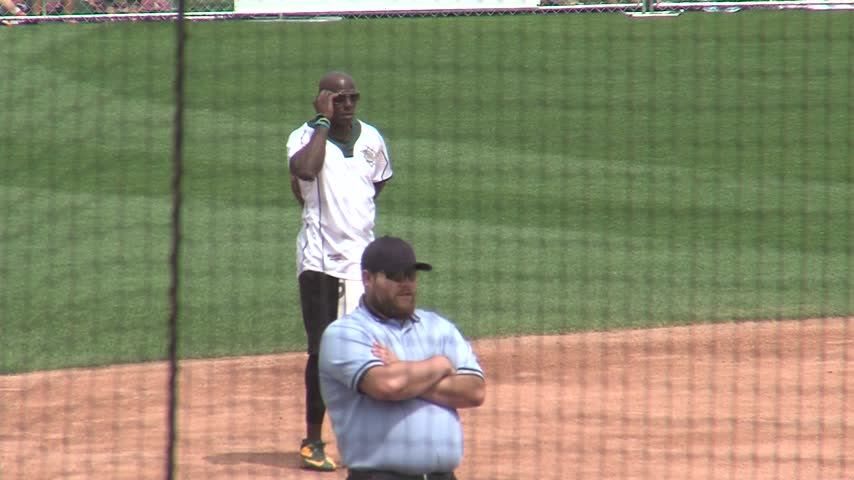 Donald Driver Softball_62699285