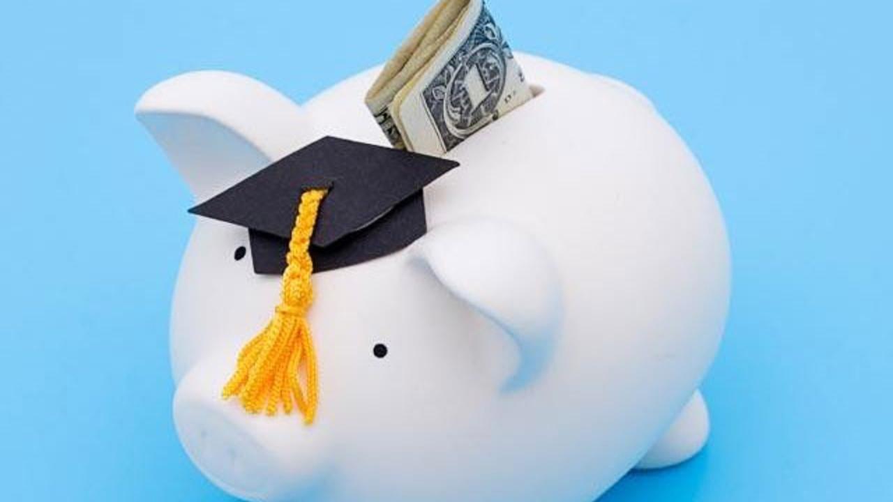 piggy-bank-graduation-money-budget-college_1521579505277_353488_ver1_20180328054520-159532