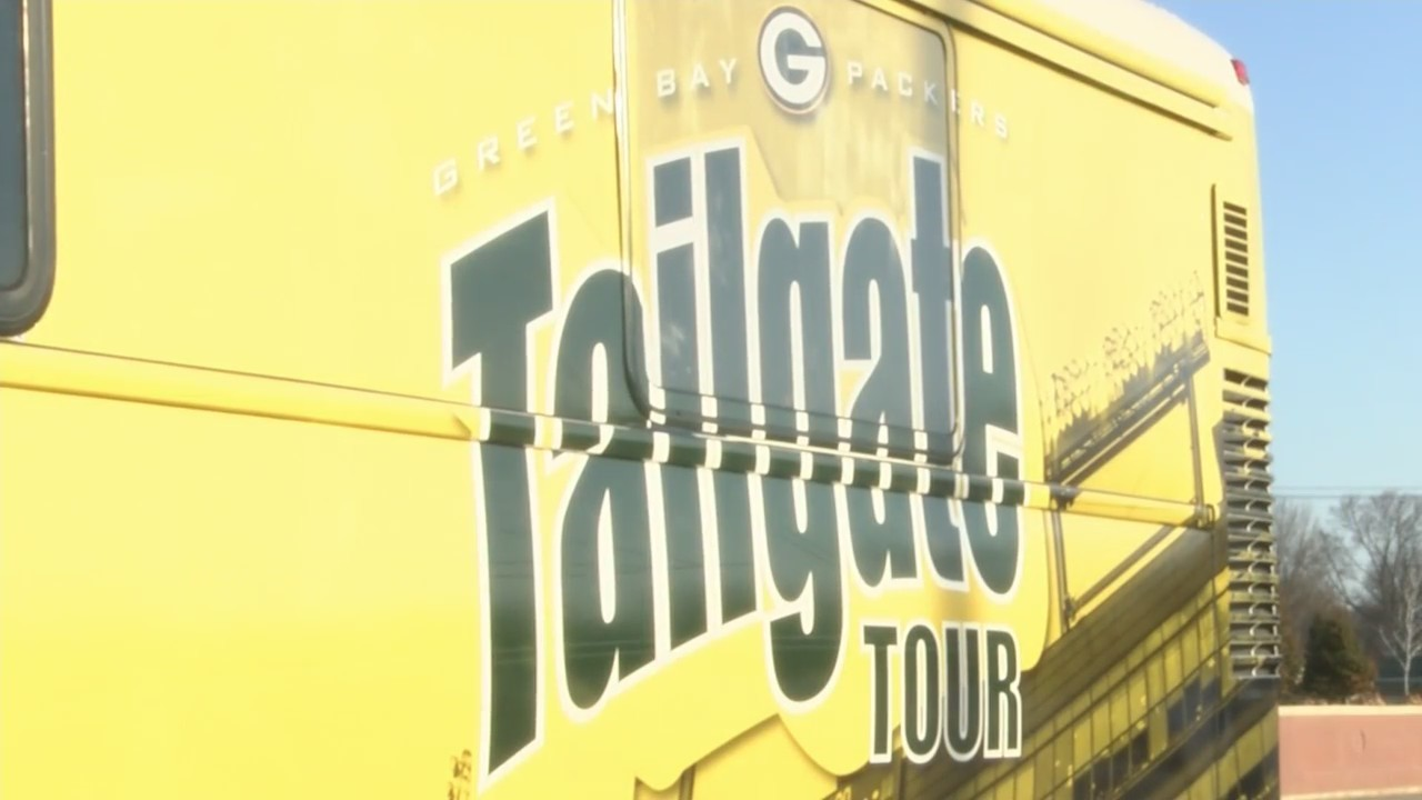 Packers_Heading_on_Tailgate_Tour_0_20190409122007