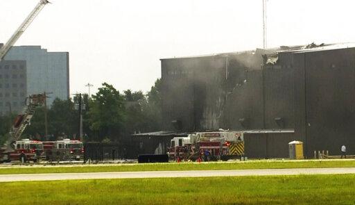 The Latest: 2 crew, 8 passengers killed in Texas plane crash