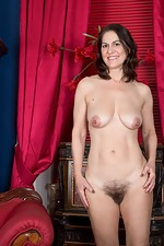 WeAreHairy Kaysy Kaysy strips off dress and lingerie on