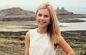 Naomi White blogger