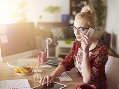 multitasking woman featured
