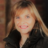 Inspirational Woman: Helen Wylde | Managing Director, Bringme