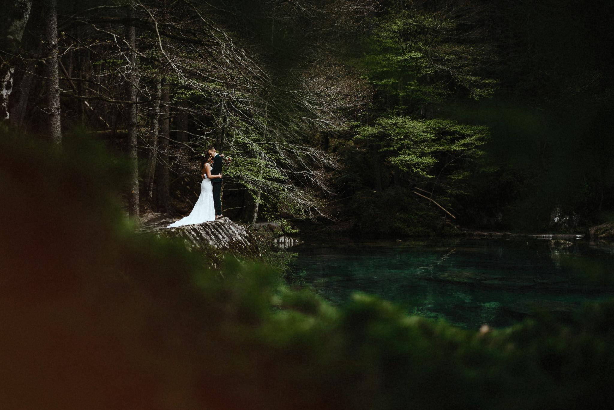 Lake Blausee wedding by Stefan Hellberg Photography
