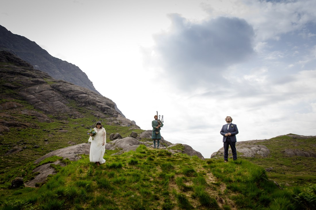 A stunning location on Loch Coruisk for Tina & Jürgen's elopement by Lynne Kennedy Photography