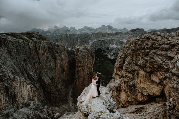 A climbing elopement in Alta Badia in the Dolomites by Wild Connections Photography