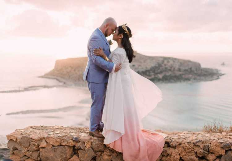 Sunset elopement in Crete
