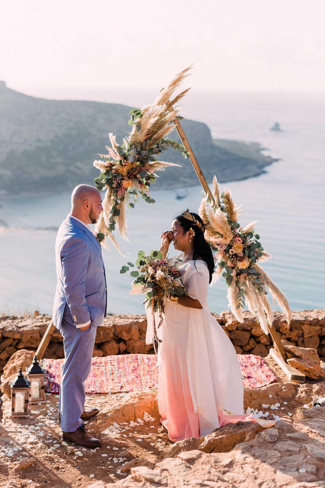 Jumi & Greg's elopement in Crete