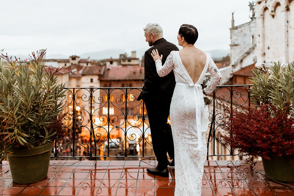 First look at Halloween Elopement in Italy