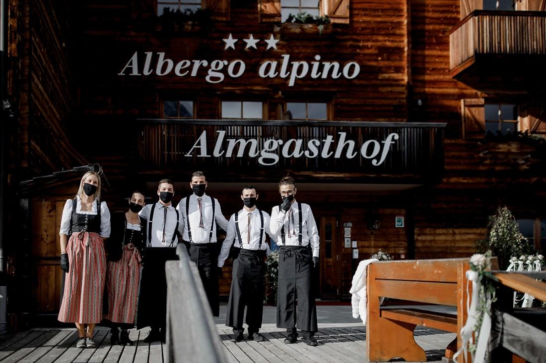 COVID-friendly wedding in the Dolomites