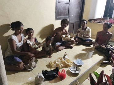 Avond eten bij Putu's homestay nusa penida