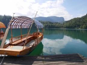 bootjes-meer-van-bled-in-slovenie