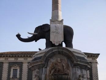 Catania olifanten beeld sicilie bezienswaardigheden oostkust