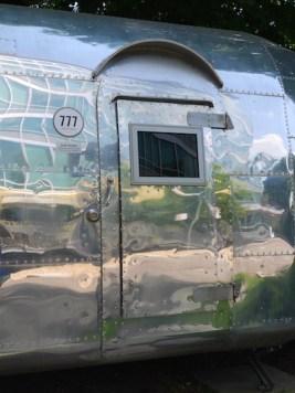 Deur trailer hotel daniel wenen