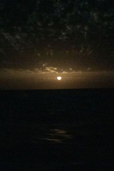 Eendracht 's nachts op de ocean