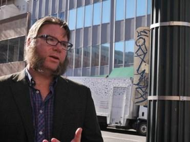 Food cart tour met Brett