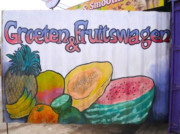 Groeten en fruitwagen curacao