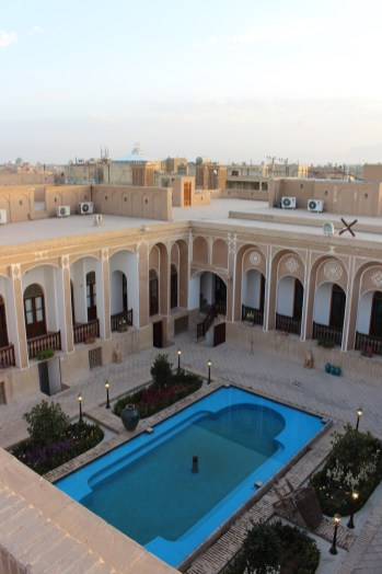 hotels-zwembad-yazd-iran