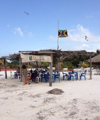 Isla Holbox bar RAICES