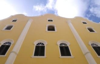 Lopen door Willemstad Curacao