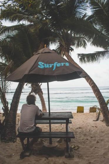 Mahe vakantie palmbomenstrand Surfers Beach Seychellen-2