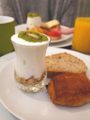 Ontbijt La Parizienne Hotel