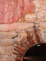 Rode muur klein curacao vuurtoren