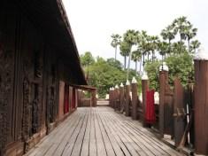 Teakhouten tempel in Mandalay
